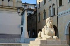Academievierkant in Conegliano, Veneto, Italië Stock Afbeelding