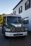Acadia-Nationalpark-Bus bereist in Stangen-Hafen, USA, 2015 Stockfotografie