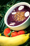 Acai in de pot Stock Afbeelding