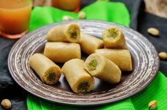 Acajoubaum-Pistazienrolle Kaju-pista Rolle Indische Bonbons Stockfoto
