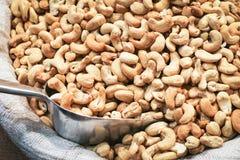 Acajounüsse auf dem Markt für Verkauf Stockfoto