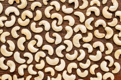 Acajounüsse auf rustikalem Holz Stockbild