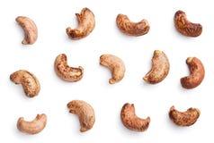 Acajounüsse mit dem Oberteil lokalisiert auf Weiß Stockfotos