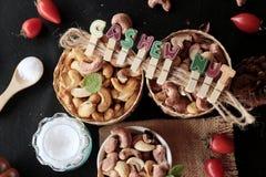 Acajounüsse sind mit Salz gebratenes köstliches Stockbilder