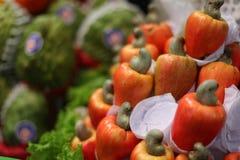 Acajounuss-Äpfel am Markt im Sao Paolo, Brasilien Stockfotos