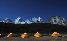 Acampamento baixo de Ama Dablam Imagem de Stock Royalty Free