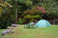 Acampamento--Barraca de Green Dome, location-1 agradável Foto de Stock