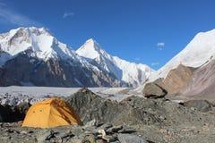 Acampamento base de Quirguizistão - de Khan Tengri Foto de Stock