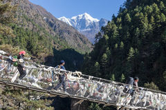ACAMPAMENTO BASE TREK/NEPAL DE EVEREST - 19 DE OUTUBRO DE 2015 imagens de stock