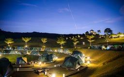 Acampamento crepuscular Fotos de Stock