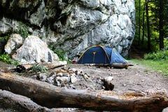 Acampamento da montanha fotografia de stock royalty free