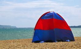 Acampamento da praia imagens de stock