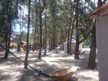 Acampamento da praia fotografia de stock royalty free