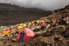 Acampamento de Barafu na rota de Machame Imagem de Stock