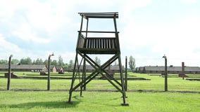 Acampamento de Tower Auschwitz-Birkenau Concentration do protetor, memorial de guerra, cinemático, filtrando vídeos de arquivo