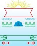 Acampamento de verão e cartaz de acampamento Foto de Stock