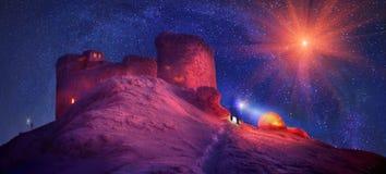 Acampamento do inverno para durante a noite sobre a montagem Chorna Imagem de Stock Royalty Free