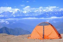 Acampamento na montagem Gongga Fotografia de Stock