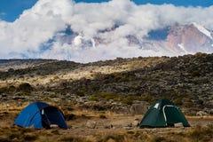Acampamento na montanha Imagens de Stock Royalty Free