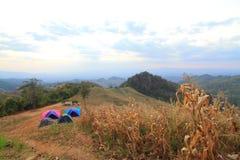 Acampamento na montanha Imagens de Stock