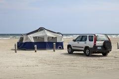 Acampamento na praia Foto de Stock Royalty Free