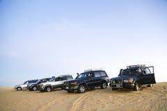 Acampando em Siwa, Egito, equitação da duna do deserto 4x4 árabe Fotografia de Stock Royalty Free