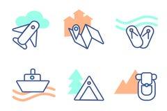 Acampando en las montañas, días de fiesta del mar, volando en avión, excursiones, travesías en el trazador de líneas, acampando c libre illustration