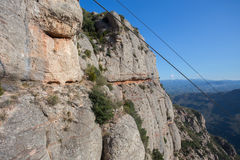 Acantilado de la roca en Montserrat, España imagenes de archivo
