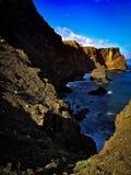 Acantilado en Madeira con el mar Foto de archivo