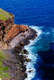 Acantilado en un mar Fotos de archivo libres de regalías