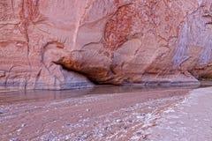 Acantilados Barranco-bermellones Wildernessss de AZ-Paria Imagen de archivo
