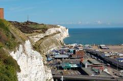 Acantilados blancos y el acceso de Dover Fotografía de archivo libre de regalías