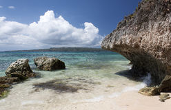 Acantilados cerca de Puka Shell Beach Isla de Boracay Foto de archivo libre de regalías
