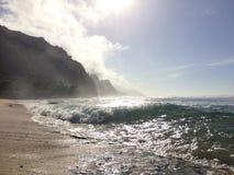 Acantilados de la costa del Na Pali en la isla de Kauai, Hawaii Fotografía de archivo