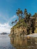 Acantilados de la playa imagen de archivo