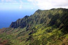 Acantilados del Na Pali en Kauai Imágenes de archivo libres de regalías