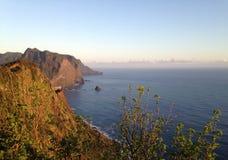 Acantilados en la isla de Madeira Imágenes de archivo libres de regalías