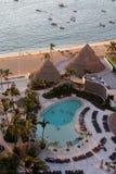 Acapulco-Strand- und -swimmingpool Stockbild