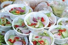 Acar-Soße, Salat, in Essig eingelegtes Gemüse des Essigs Lizenzfreie Stockfotos