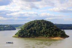 Acarayeiland op de grens van Brazilië en Paraguay Stock Fotografie