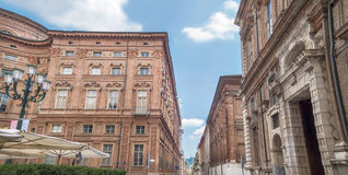 Accademia delleScienze gata med Palazzo Carignano i Turin, Italien Royaltyfri Bild
