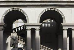 Accademia Di Brera binnenplaats in het centrum van Milaan royalty-vrije stock afbeeldingen