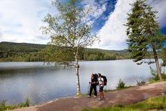 Accampandosi da Lake Fotografia Stock Libera da Diritti