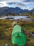 Accampandosi dentro lofoten, la Norvegia immagine stock