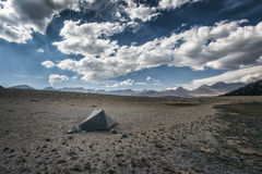 Accampandosi nella sierra Nevada Mountains Fotografie Stock
