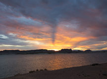Accampandosi su una spiaggia nel deserto dell'Arizona Immagini Stock Libere da Diritti