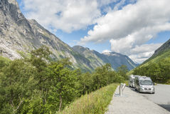Accampandosi a Trollstigen in Norvegia Immagini Stock