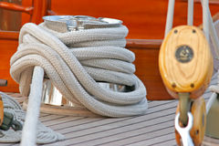 Accastillage de bateau ; Upperworks of boat. Close-up of a winch on of sailing boat Royalty Free Stock Photography
