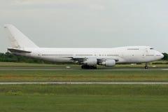 Accelerare dell'aeroplano del Jumbo-jet Fotografia Stock
