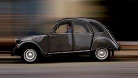 Accelerazione dell'automobile dell'annata Immagini Stock Libere da Diritti